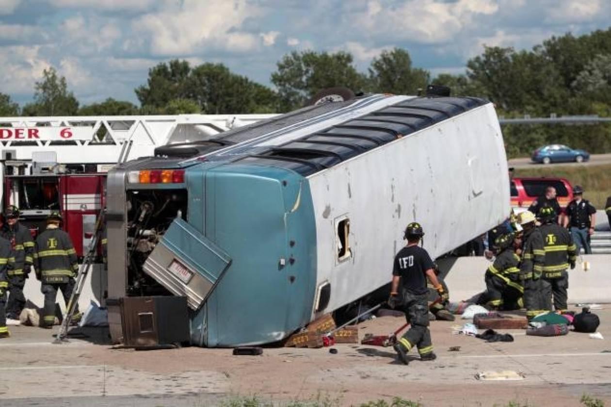 Τρεις νεκροί από ανατροπή λεωφορείου στην Ινδιανάπολη