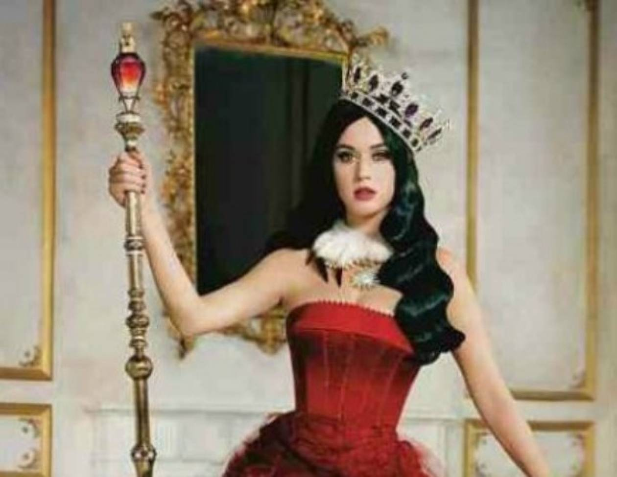 Killer Queen! Η φωτογράφιση για το άρωμα της Κaty Perry