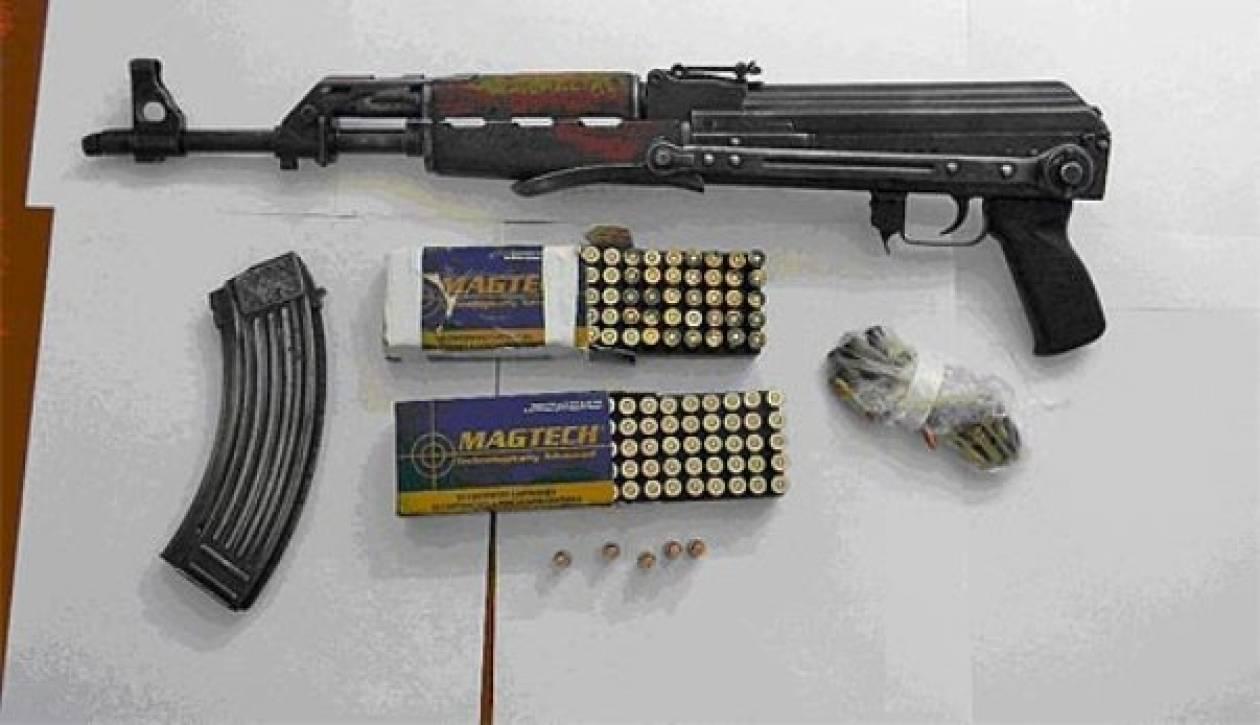 Όπλα και διαρρηκτικά εργαλεία βρέθηκαν σε διαμέρισμα στον Άγ. Δημήτριο