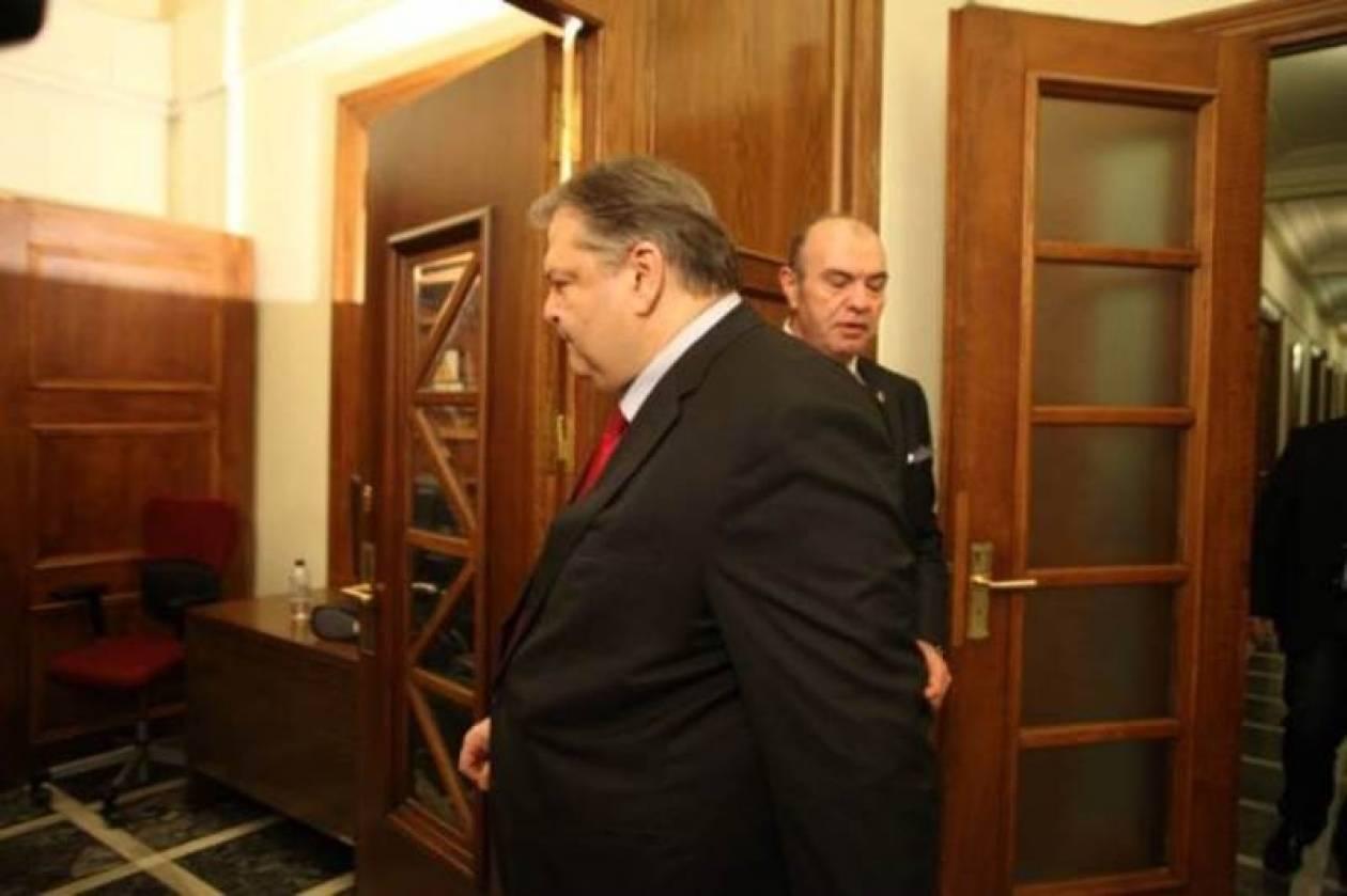 Την Επιτροπή Εξωτερικών της Βουλής ενημερώνει ο Βενιζέλος