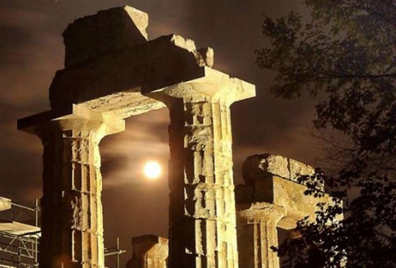 Το Μουσείο Ακρόπολης γιορτάζει την αυγουστιάτικη πανσέληνο
