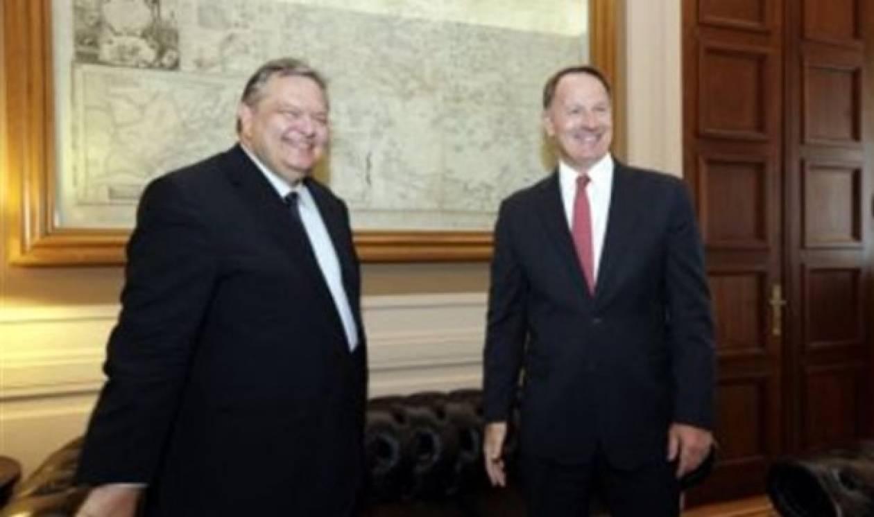 Σε καλό κλίμα η συνάντηση Βενιζέλου με τον απερχόμενο Αμερικανό Πρέσβη