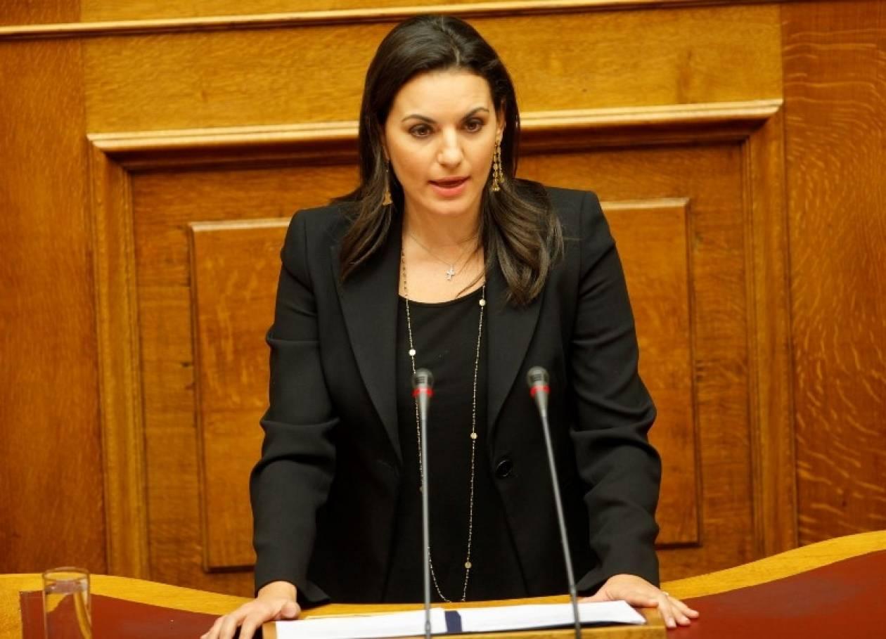 Υπερψηφίζεται το νομοσχέδιο του υπουργείου Τουρισμού