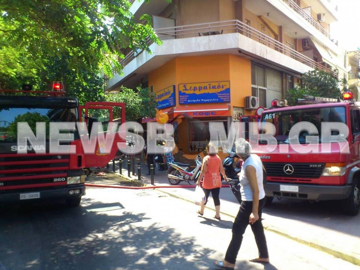 Υπό έλεγχο η πυρκαγιά σε διαμέρισμα στον Πειραιά (pics)