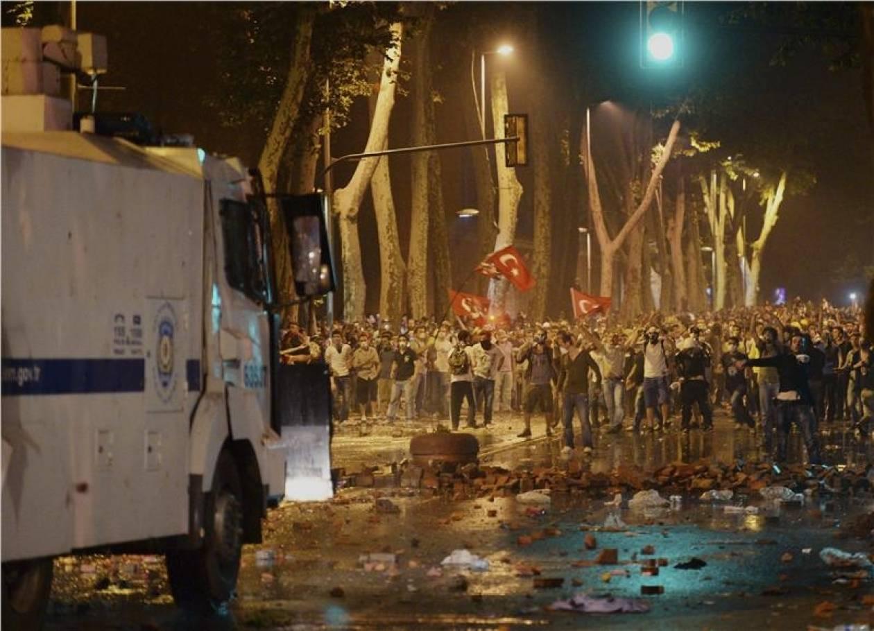 Κωνσταντινούπολη: Δακρυγόνα κατά εκατοντάδων διαδηλωτών
