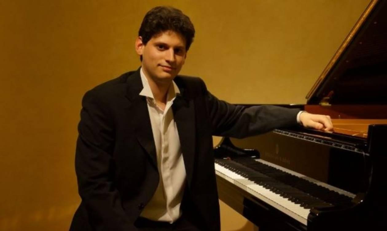 Διάκριση για τον Έλληνα πιανίστα Κωνσταντίνο Δεστούνη στην Αυστραλία