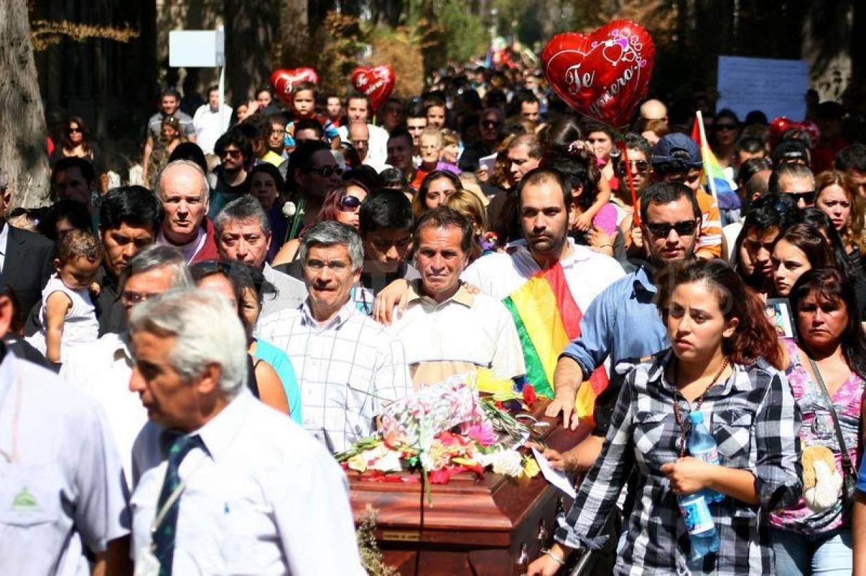 Ένοχοι οι τέσσερις νεαροί που βασάνισαν μέχρι θανάτου έναν ομοφυλόφιλο