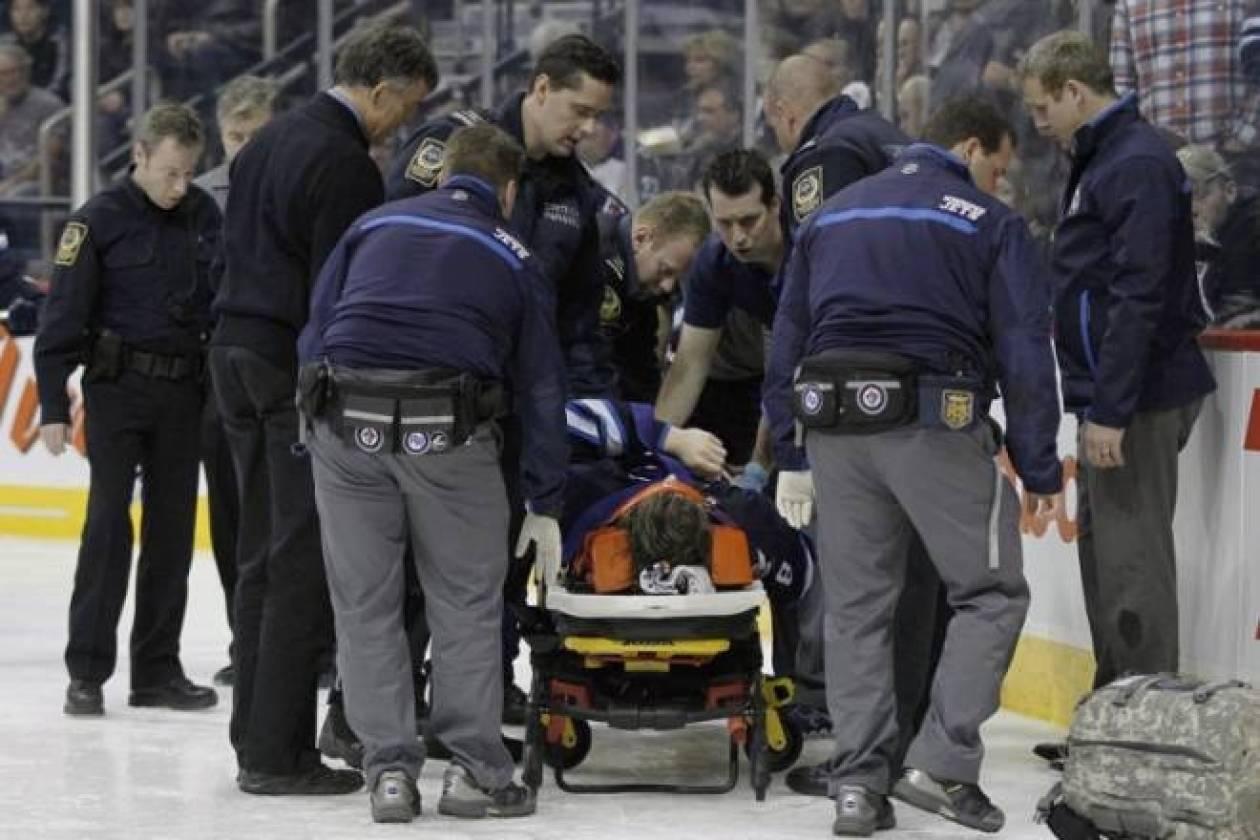 Βίντεο - ΣΟΚ: Ανατριχιαστικός τραυματισμός παίκτη στο χόκεϊ πάγου