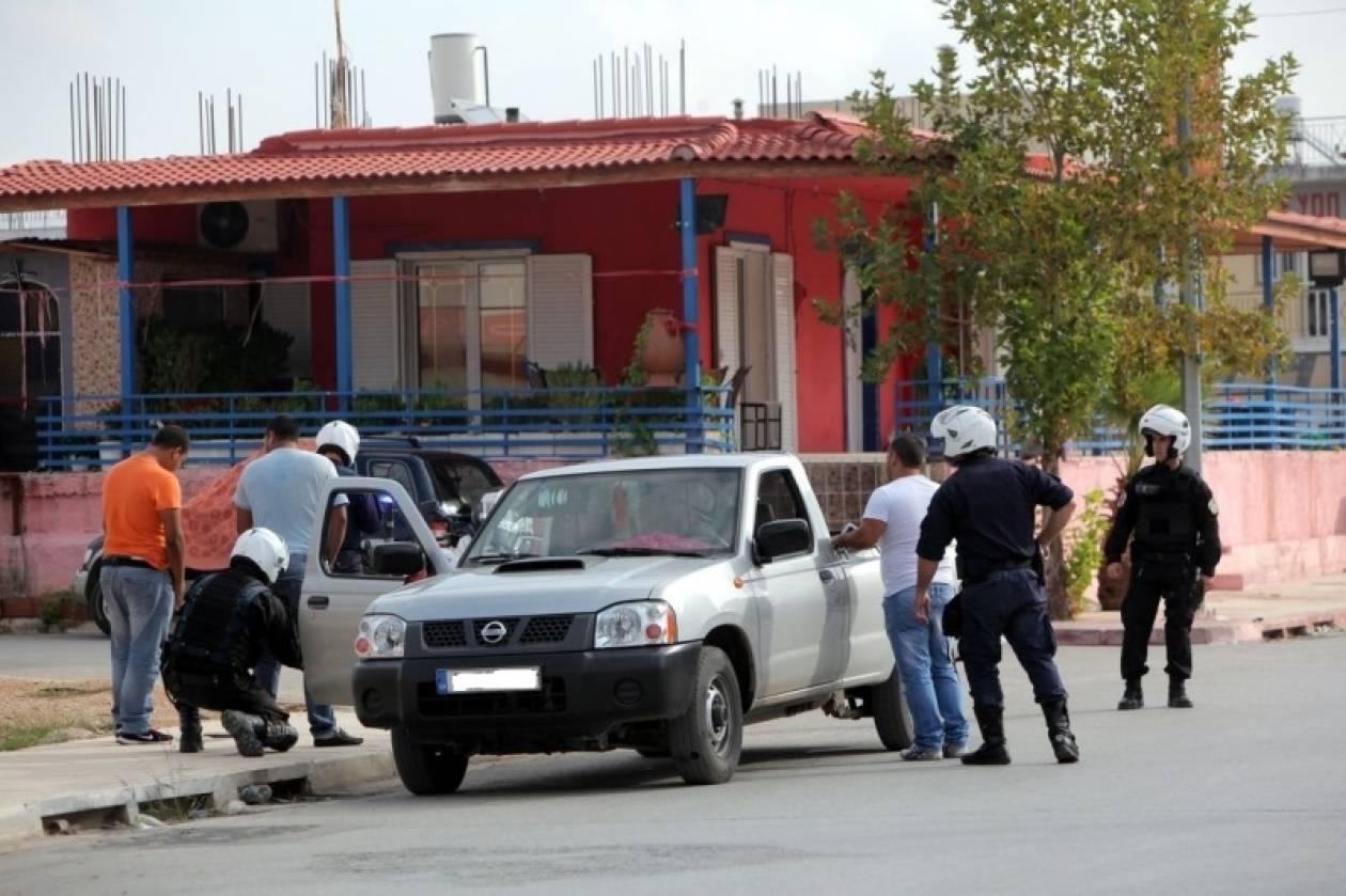 Σε εξέλιξη αστυνομική επιχείρηση στο Ζεφύρι σε καταυλισμούς Ρομά