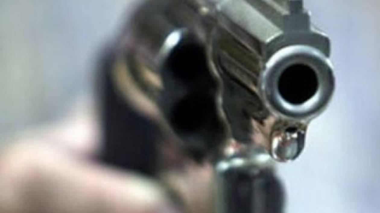 Ηράκλειο: 37χρονος απείλησε πεθερά και σύζυγο
