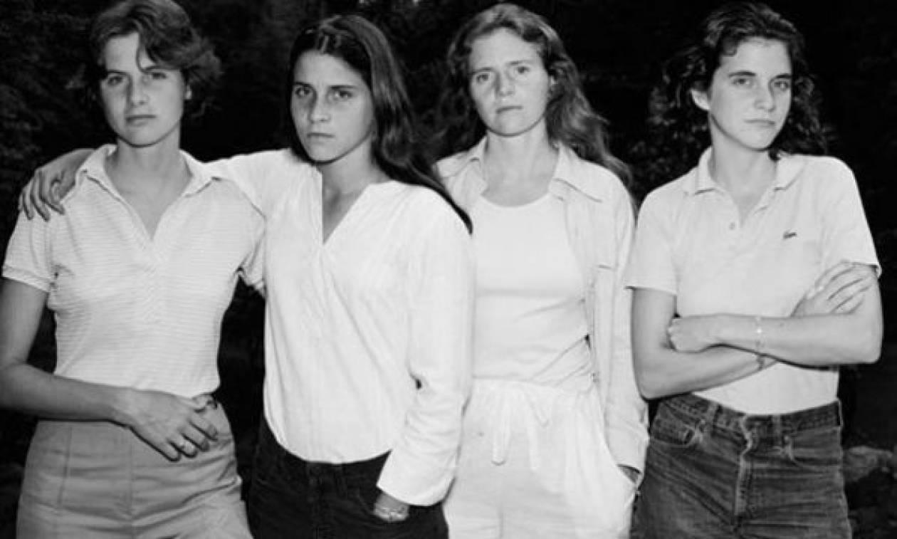 4 αδερφές, 38 χρόνια φωτογραφίες και μια σχέση που κρατάει μια ζωή