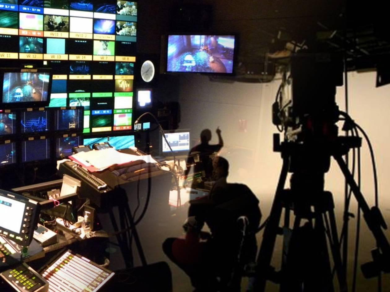 Τριγμοί στο Μαξίμου για το «δώρο» της ψηφιακής TV στους καναλάρχες