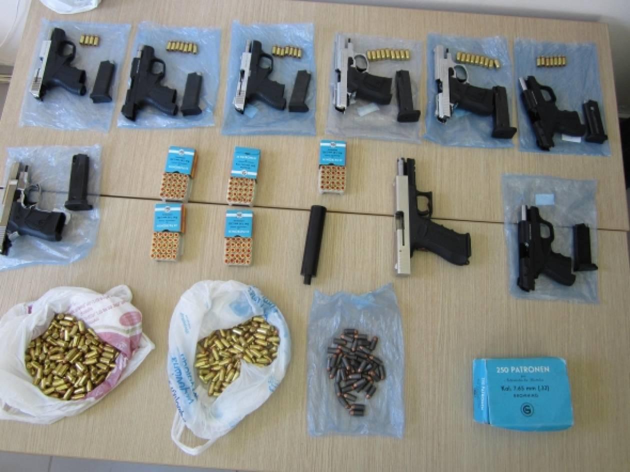 Εξαρθρώθηκε μεγάλη σπείρα εμπορίας όπλων