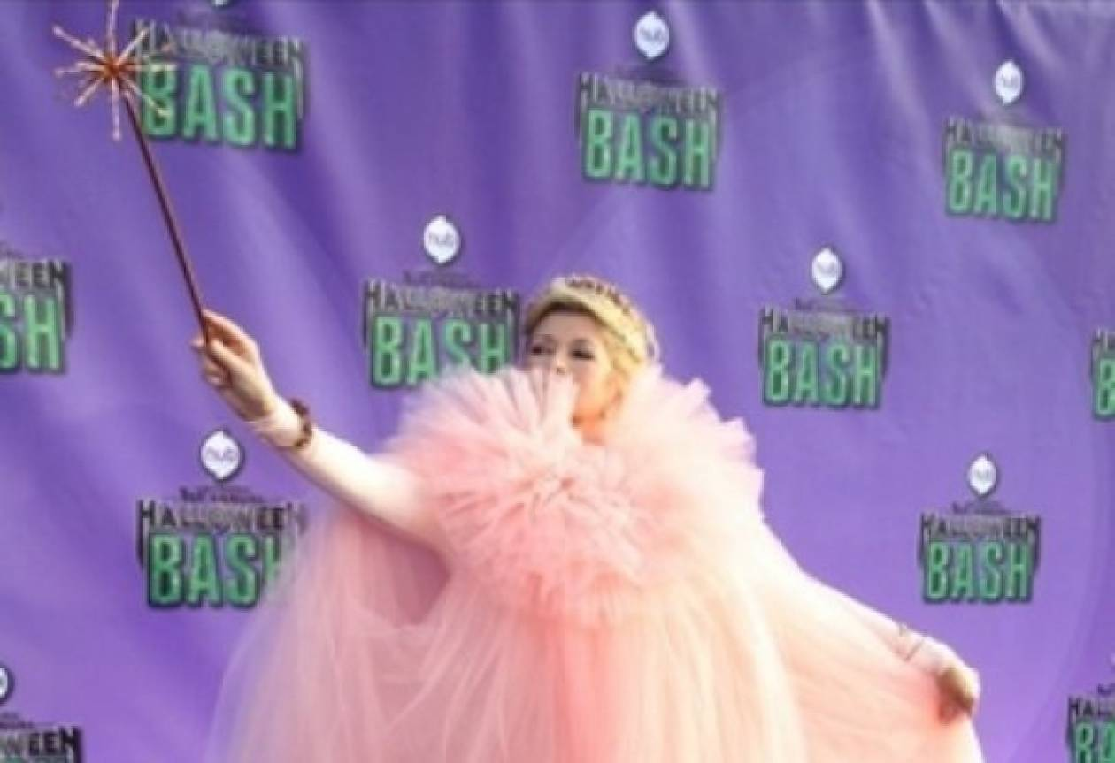 Ποια 72άχρονη star της τηλεόρασης ντύθηκε ροζ πριγκίπισσα;