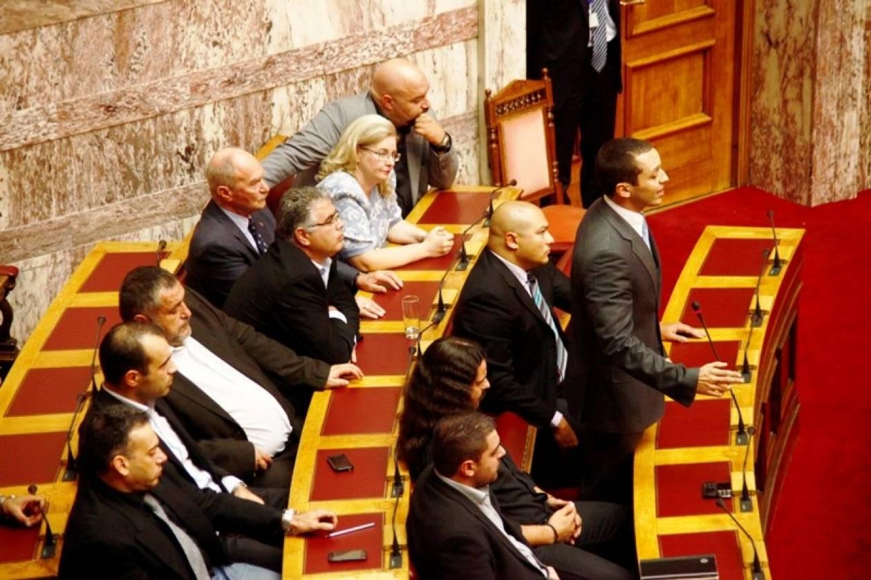 «Πέρασε» η τροπολογία για την αναστολή της κρατικής χρηματοδότησης