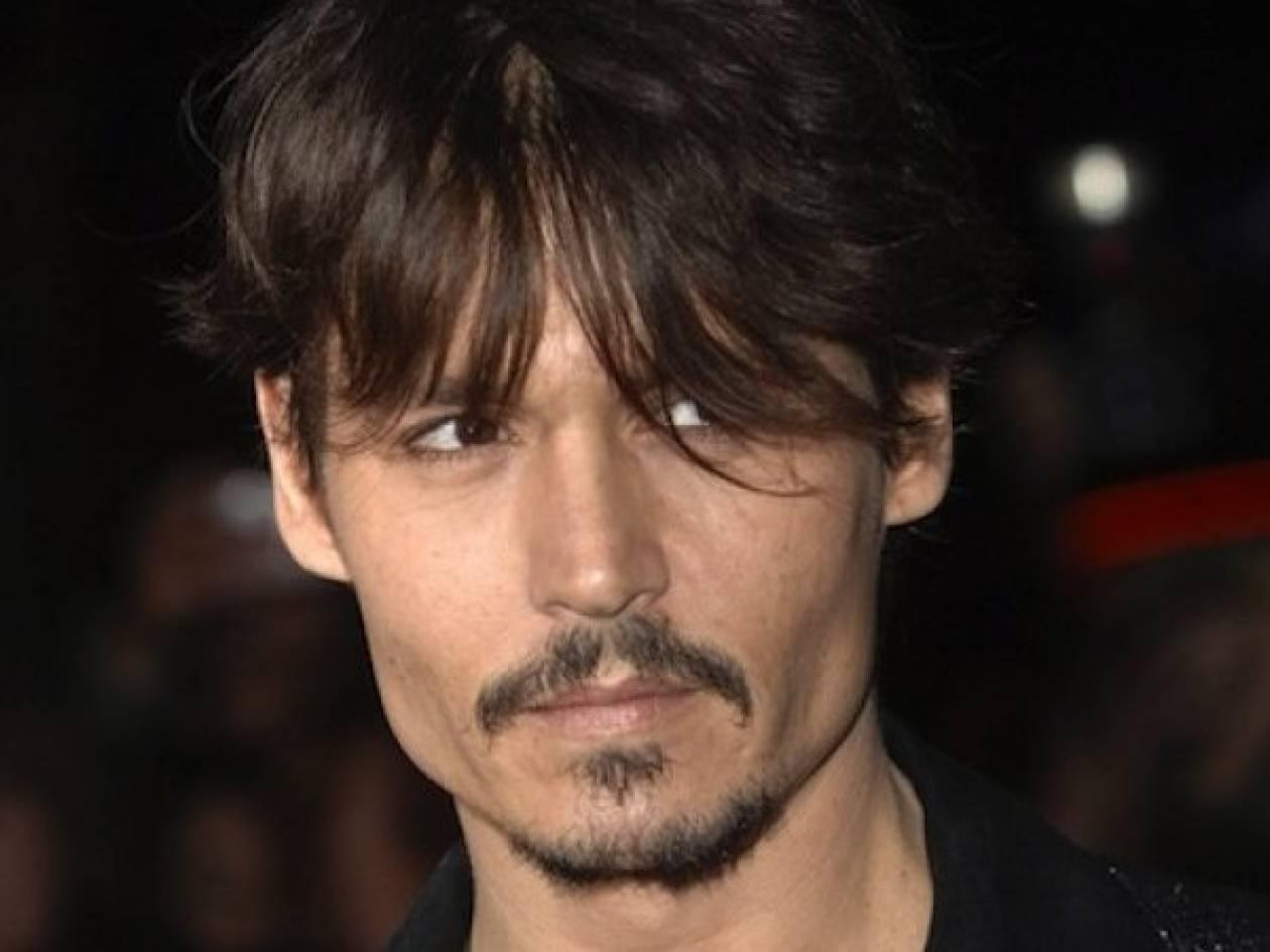 Γιατί το έκανες αυτό Johnny; Ο Depp έγινε κατάξανθος!