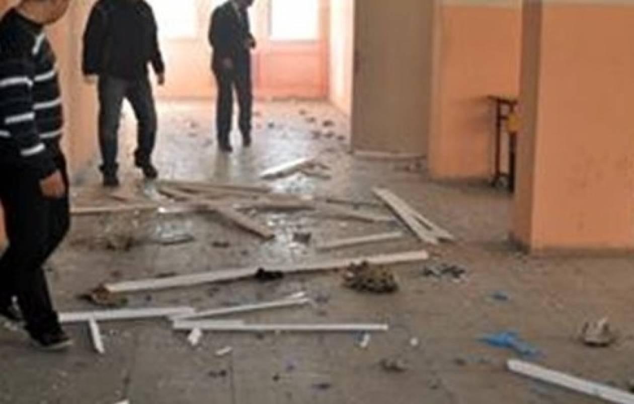 17χρονος πέταξε σε αίθουσα αυτοσχέδιο εκρηκτικό μηχανισμό