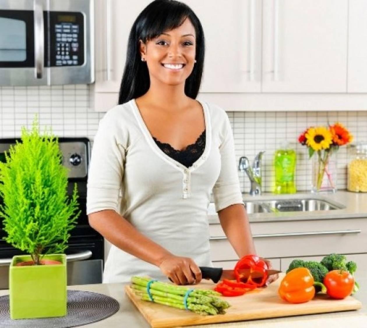 Οικονομία στην κουζίνα: 5+1 tips για να γλιτώνετε χρήματα