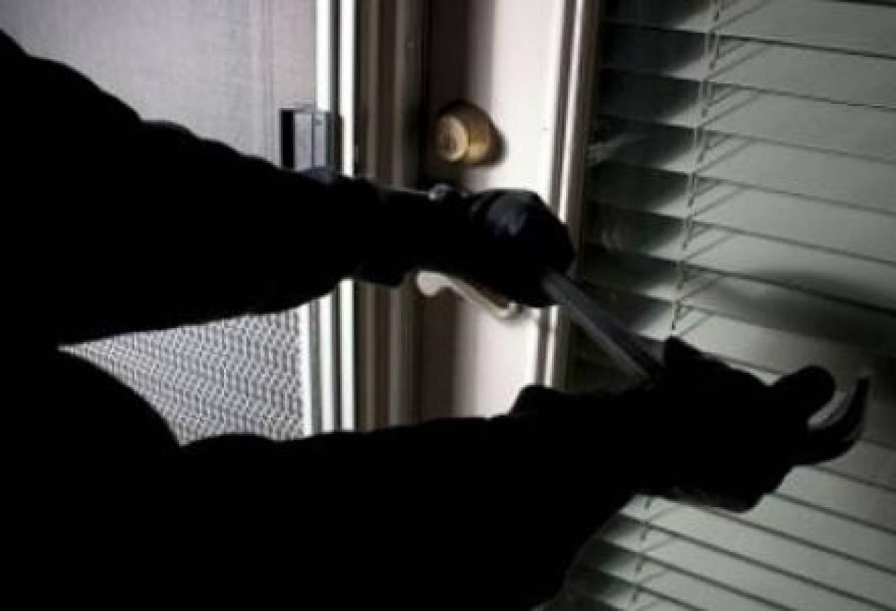Συνελήφθησαν μέλη εγκληματικής οργάνωσης που είχαν ρημάξει τη Σαλαμίνα