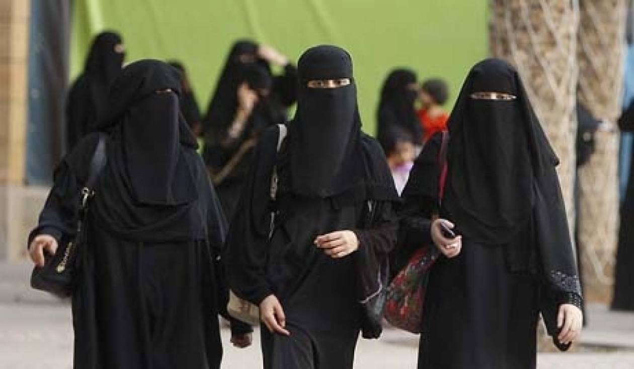 Σαουδική Αραβία: Διαμαρτυρία γυναικών για την απαγόρευση οδήγησης Ι.Χ