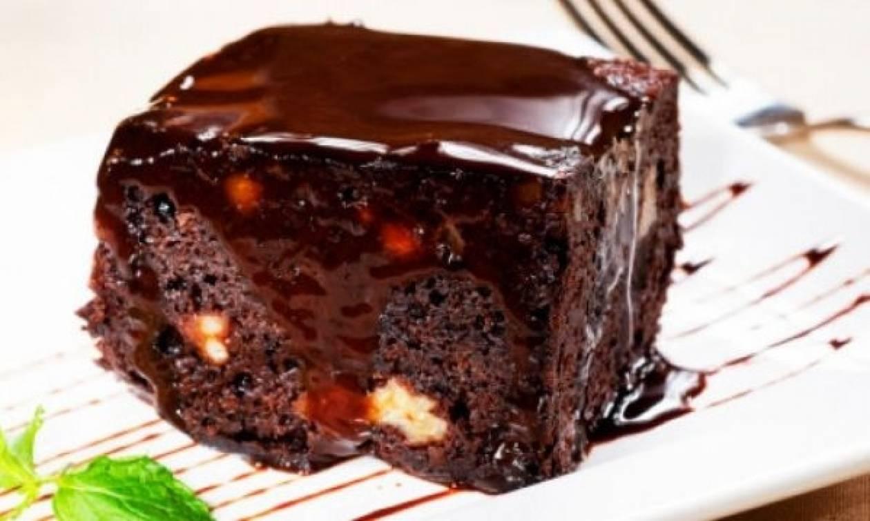 Συνταγή για την πιο αφράτη και γλυκιά καρυδόπιτα!