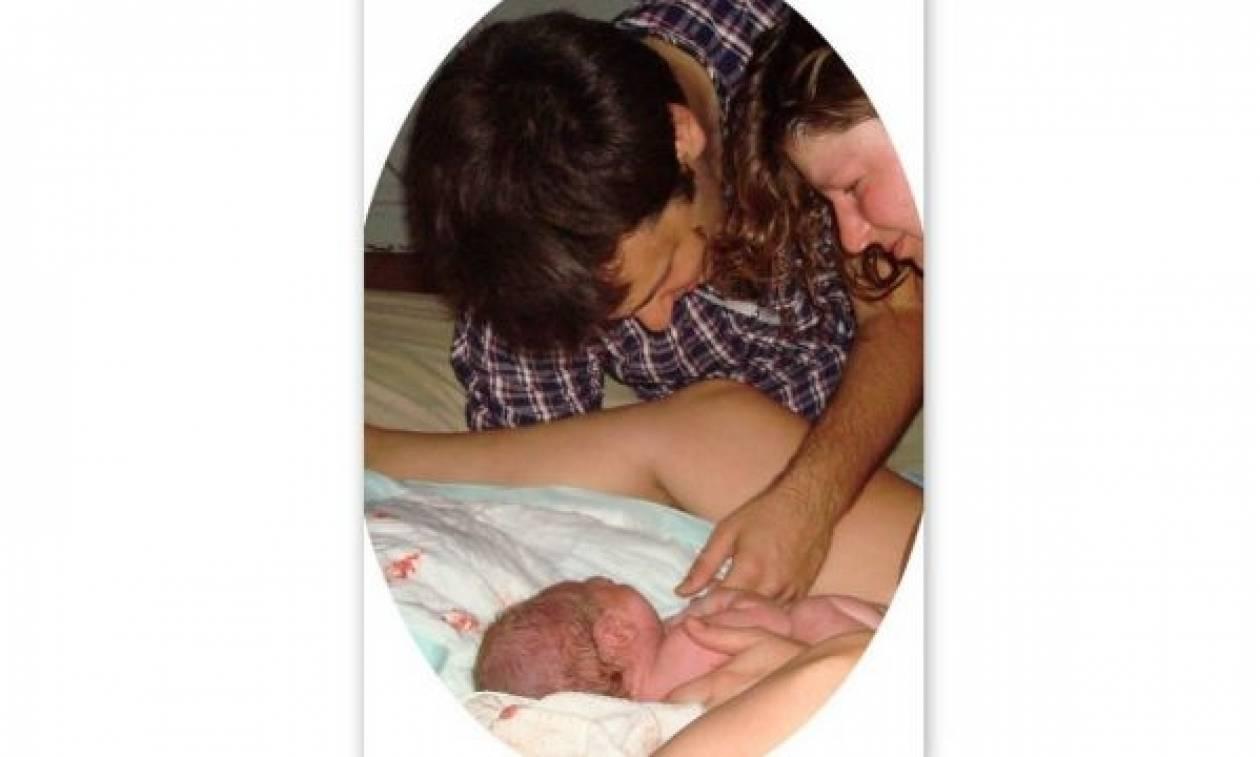 Η Κριστίνα και ο Ριτς μοιράζονται την ιστορία γέννησης του μωρού τους