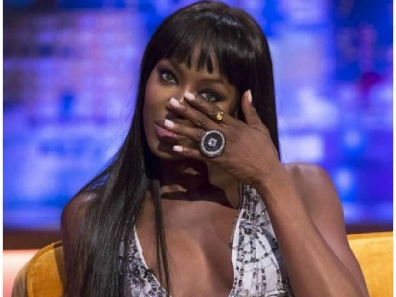 H Naomi Campbell κατέρρευσε στην κάμερα μιλώντας για τα ναρκωτικά