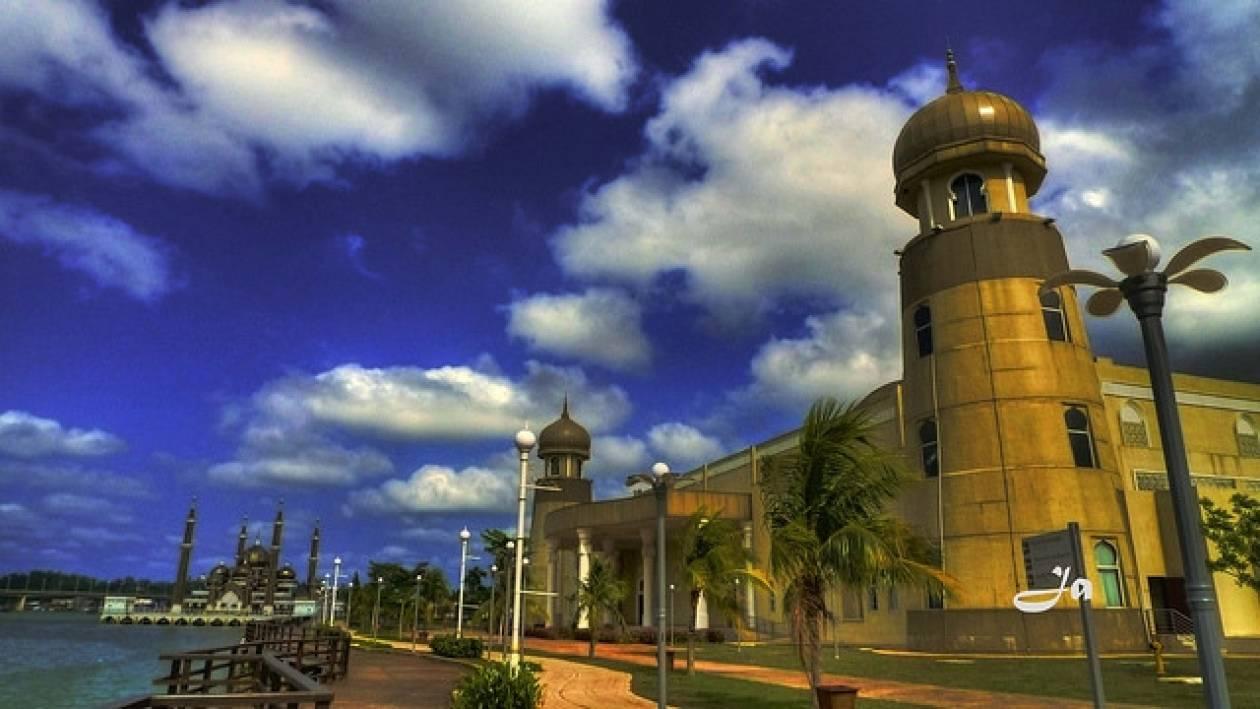 Ένα τζαμί από κρύσταλλο!