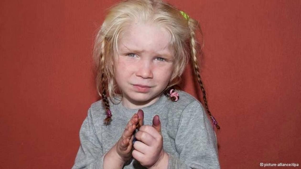 Spiegel: «Ξανθιά, γαλανομάτα, θύμα απαγωγής;»