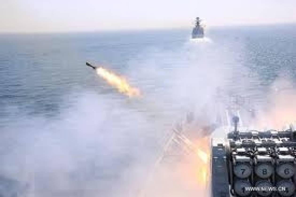 Δείτε την εκτόξευση κινεζικών πυραύλων από τη θάλασσα