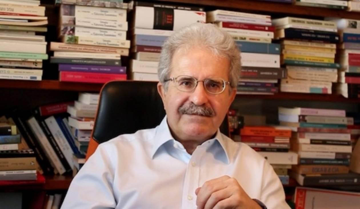 Ανδρουλάκης: Αυτοπαγίδευση του οικονομικού επιτελείου