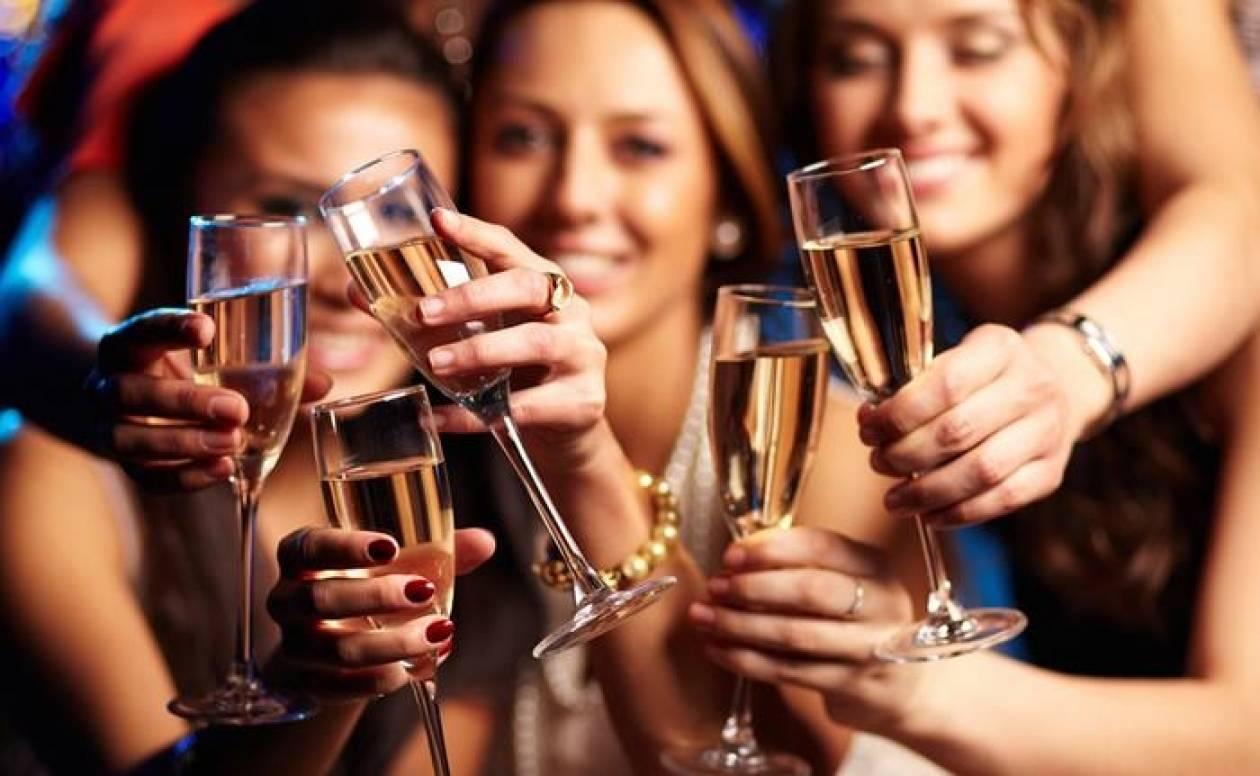 Οι top 10 μύθοι που θα ακούσετε για το αλκοόλ