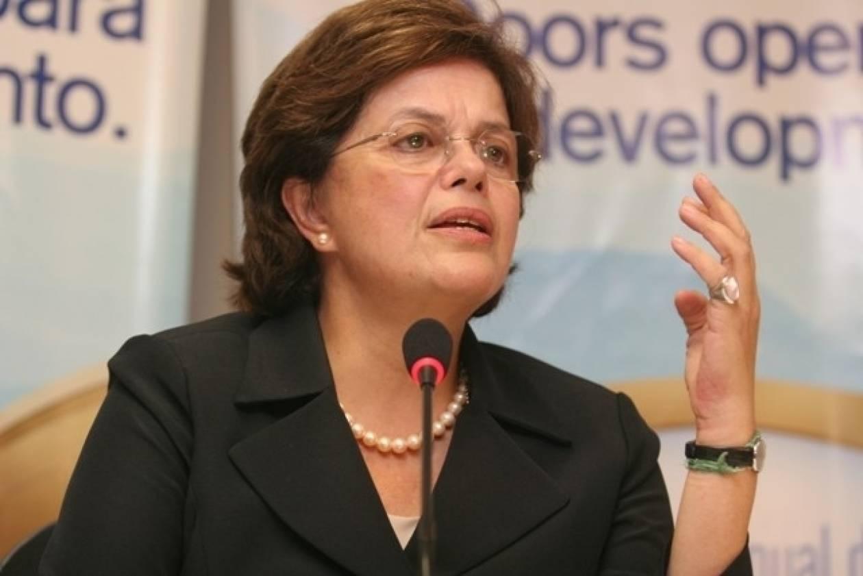 Βραζιλία: Η Ρούσεφ καταδίκασε τον πυροβολισμό νεαρού από αστυνομικό