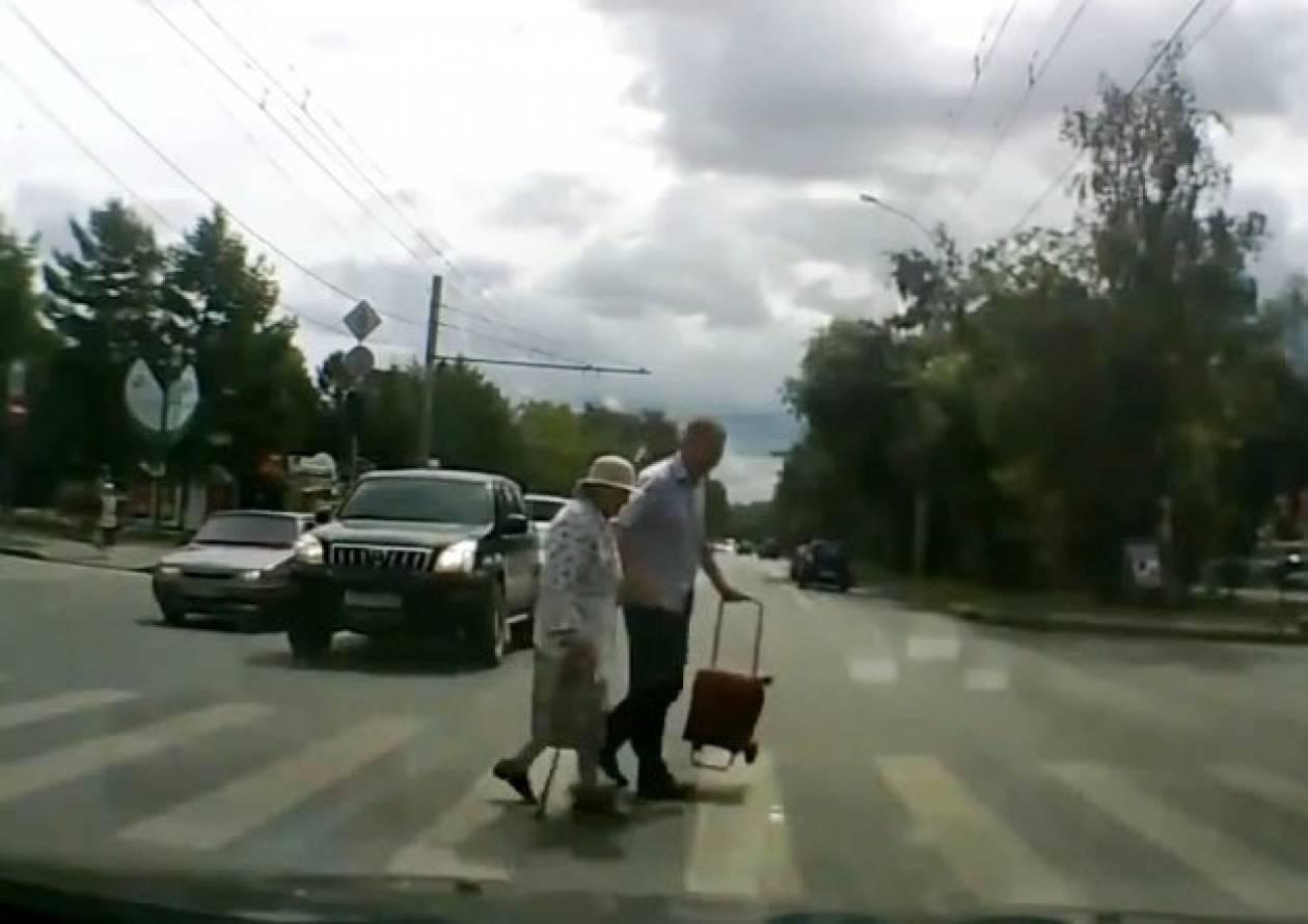 Ο μύθος καταρρίφθηκε! Υπάρχουν ευσυνείδητοι οδηγοί στη Ρωσία! (video)