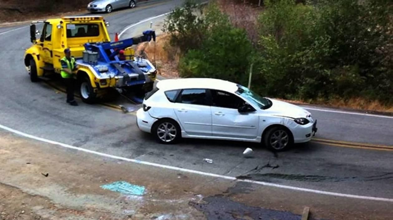 Βίντεο: Οδηγός γερανού κάνει τα πράγματα χειρότερα με τραγική γκάφα