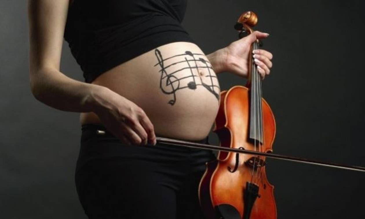 Έρευνα: Τα μωρά θυμούνται τα νανουρίσματα που άκουγαν ως έμβρυα