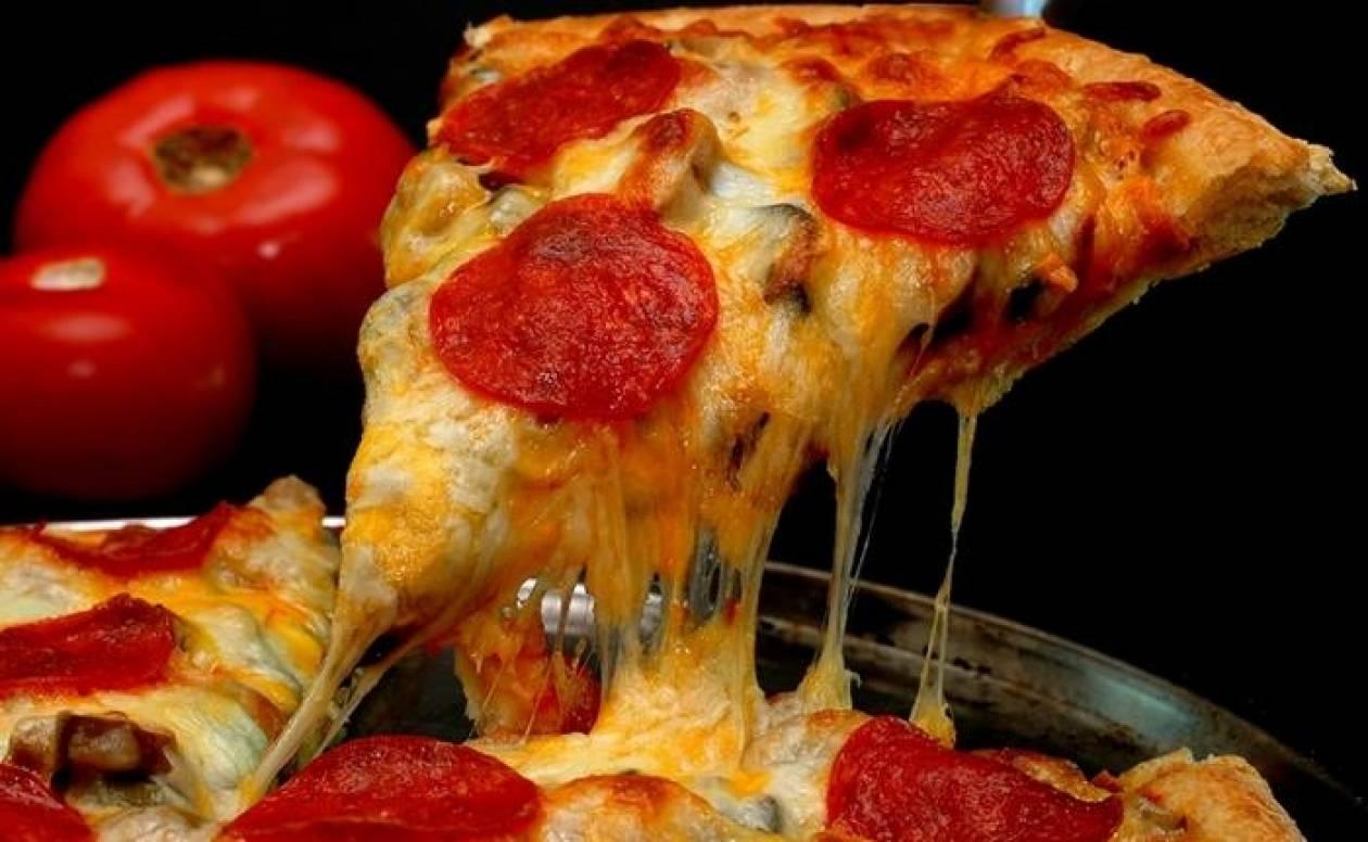 Δείτε πώς να κάνετε την αγαπημένη σας πίτσα υγιεινή!