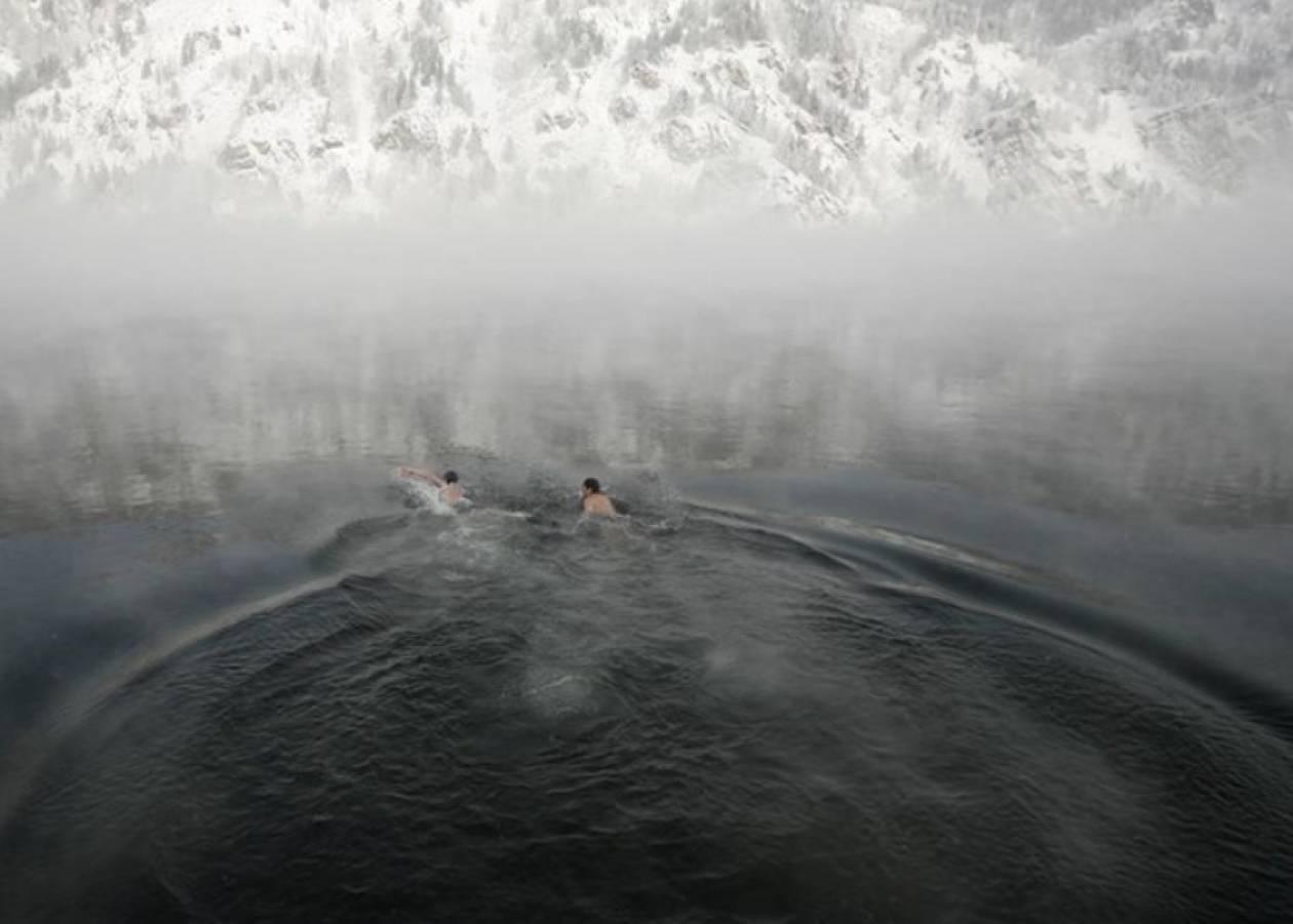 Κολύμπησαν στους -30 βαθμούς Κελσίου