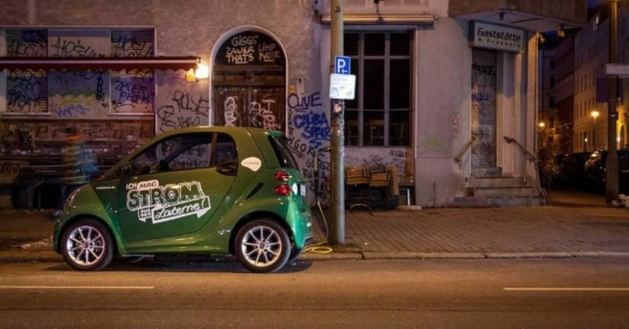 Ηλεκτρικά αυτοκίνητα: Φόρτιση από τους στύλους φωτισμού