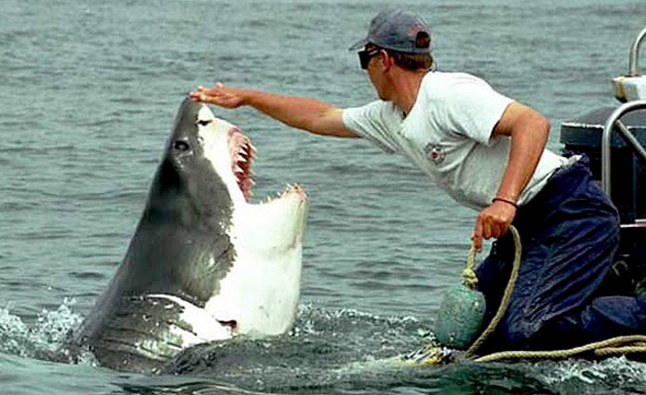 Video: Ο πιο τυχερός ψαράς του κόσμου
