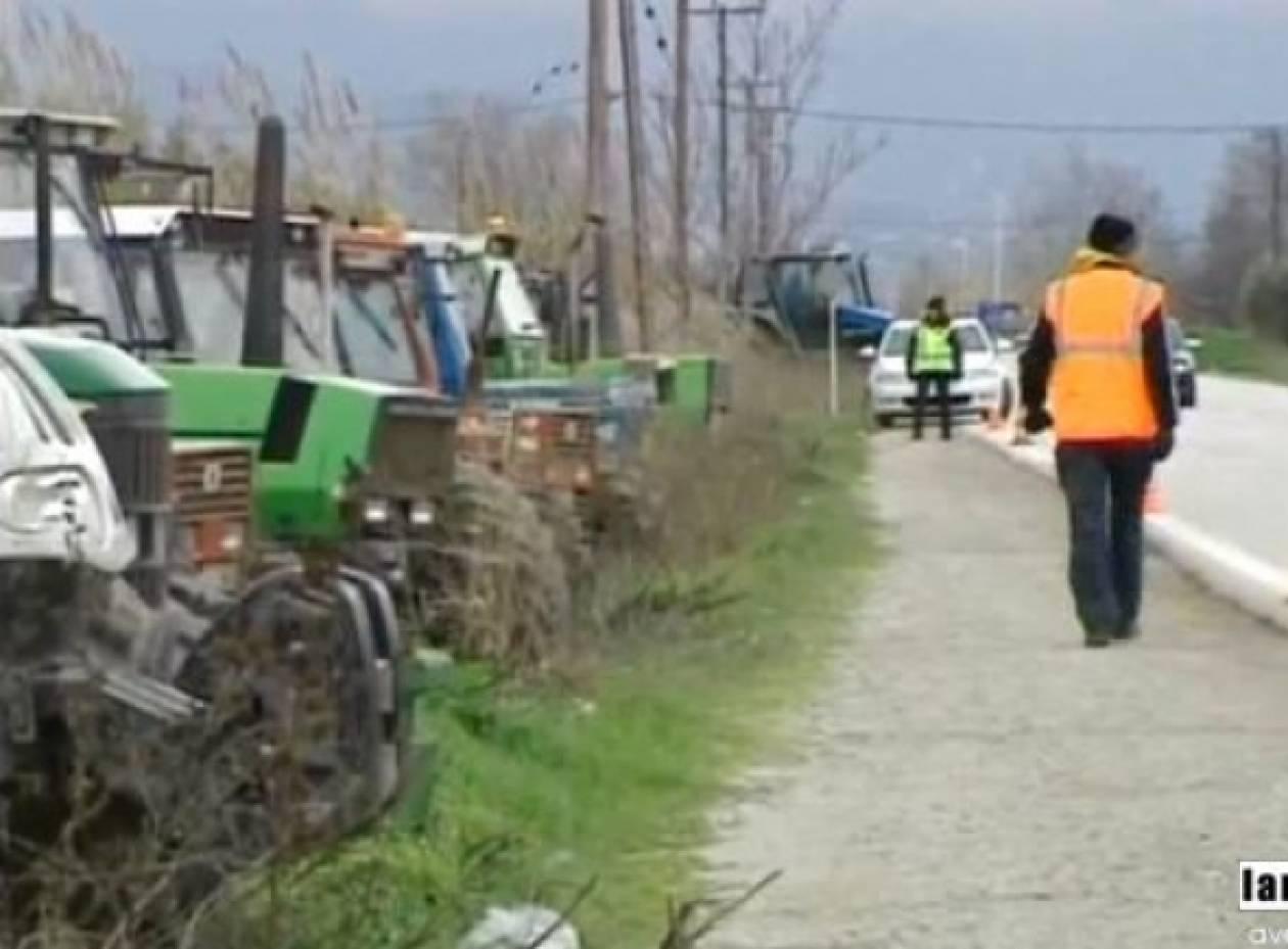 Βίντεο: Στους δρόμους οι αγρότες με τα τρακτέρ