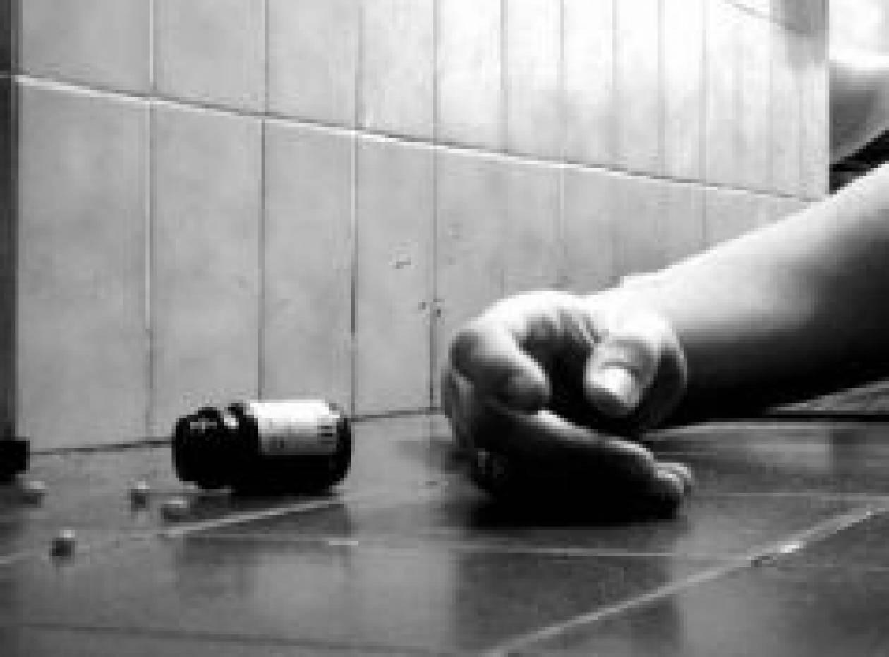 Ο έρωτας μέσω Facebook την οδήγησε στην απόπειρα αυτοκτονίας