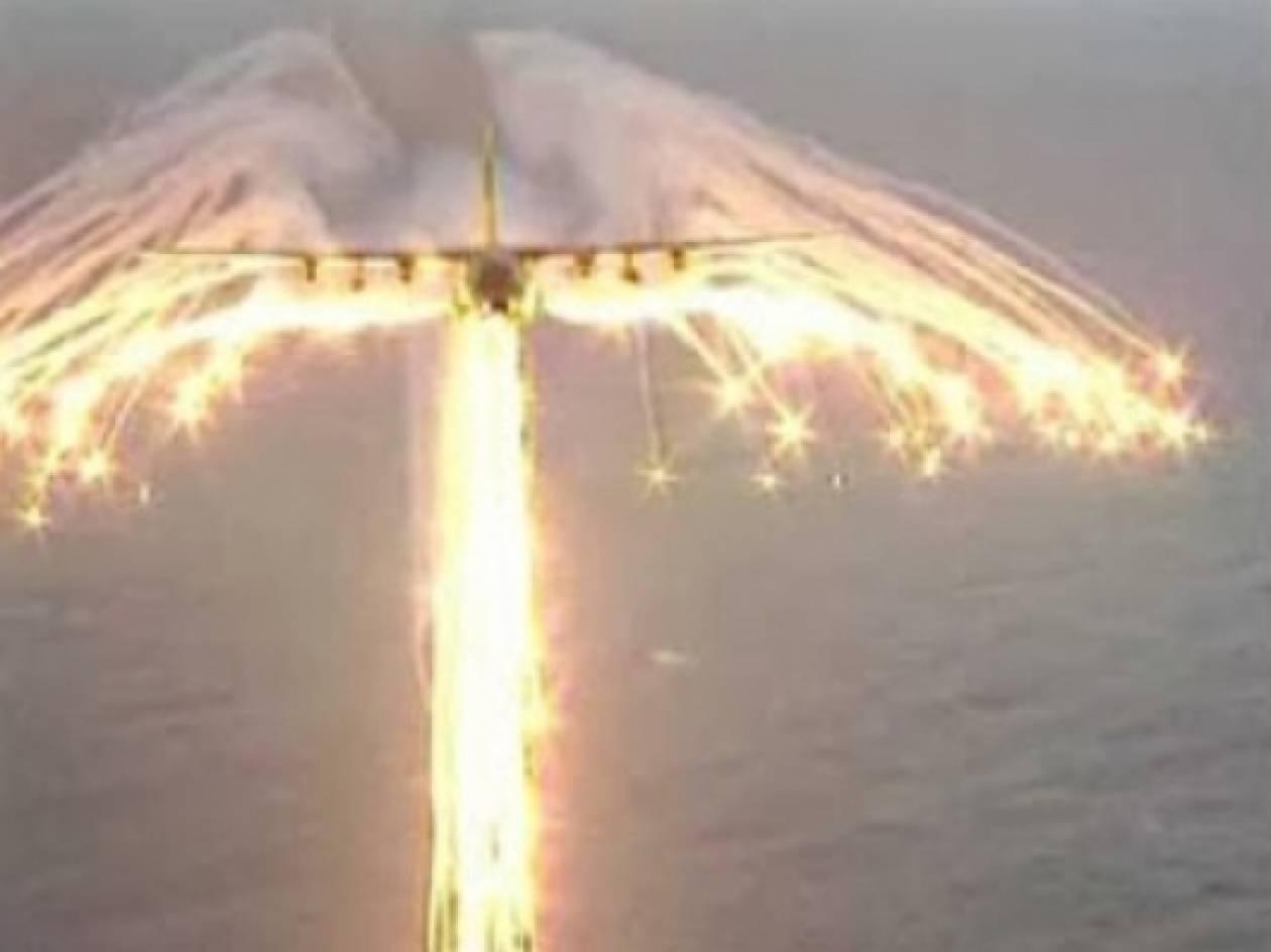 VIDEO: Πίσω απο αεροπλάνο στον αέρα εμφανίστηκε ένας τεράστιος άγγελος