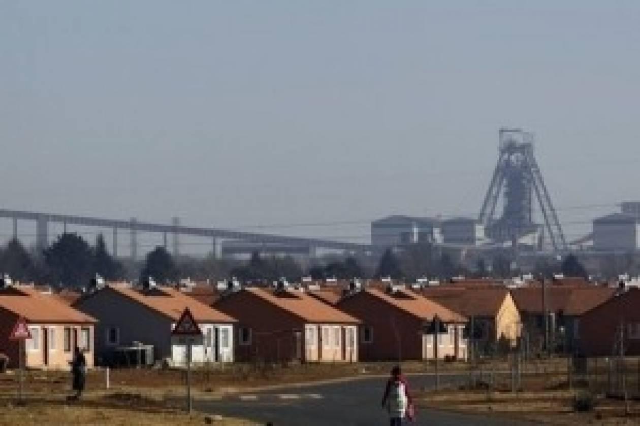 Μεταλλωρύχοι εγκλωβίστηκαν σε ορυχείο στη Νότια Αφρική