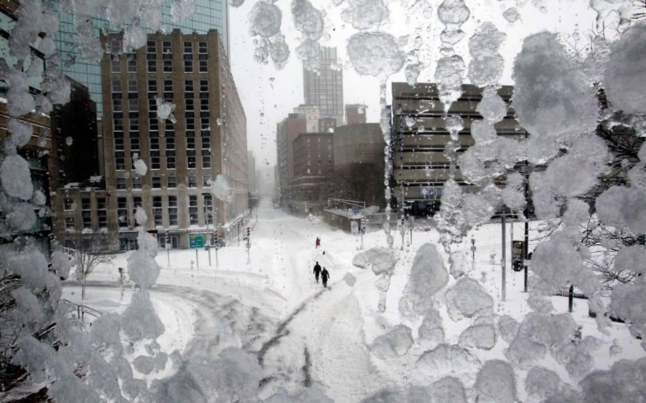 ΗΠΑ: Χιονοθύελλα άφησε χωρίς ηλεκτρικό ρεύμα ένα εκατ. κατοίκους