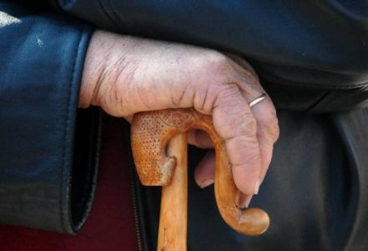 Καλαμπάκα: Πήραν από ηλικιωμένη 4.200 ευρώ