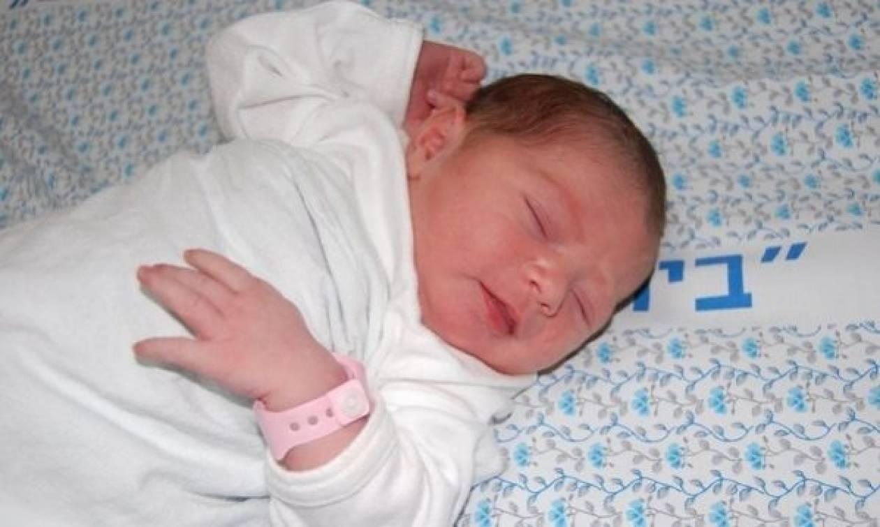 Η Κεφαλλονιά υποδέχθηκε το πρώτο της μωρό μετά τον σεισμό!