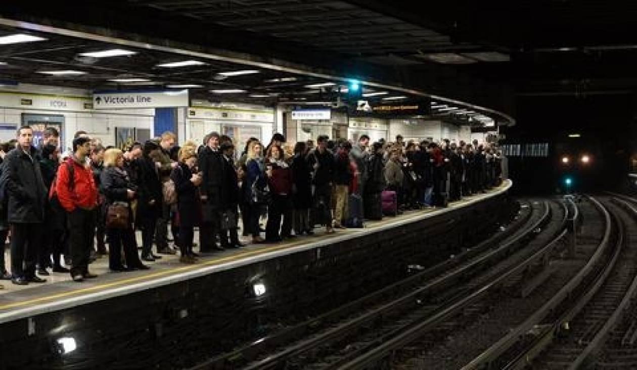 Δεύτερη ημέρα ταλαιπωρίας για τους Λονδρέζους λόγω απεργίας στο μετρό