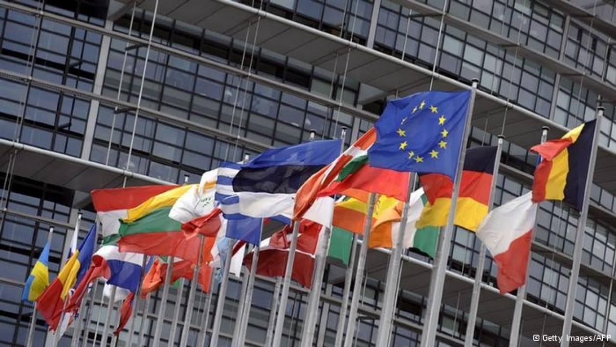 DW: «Ναι» στις διαπραγματεύσεις με πΓΔΜ