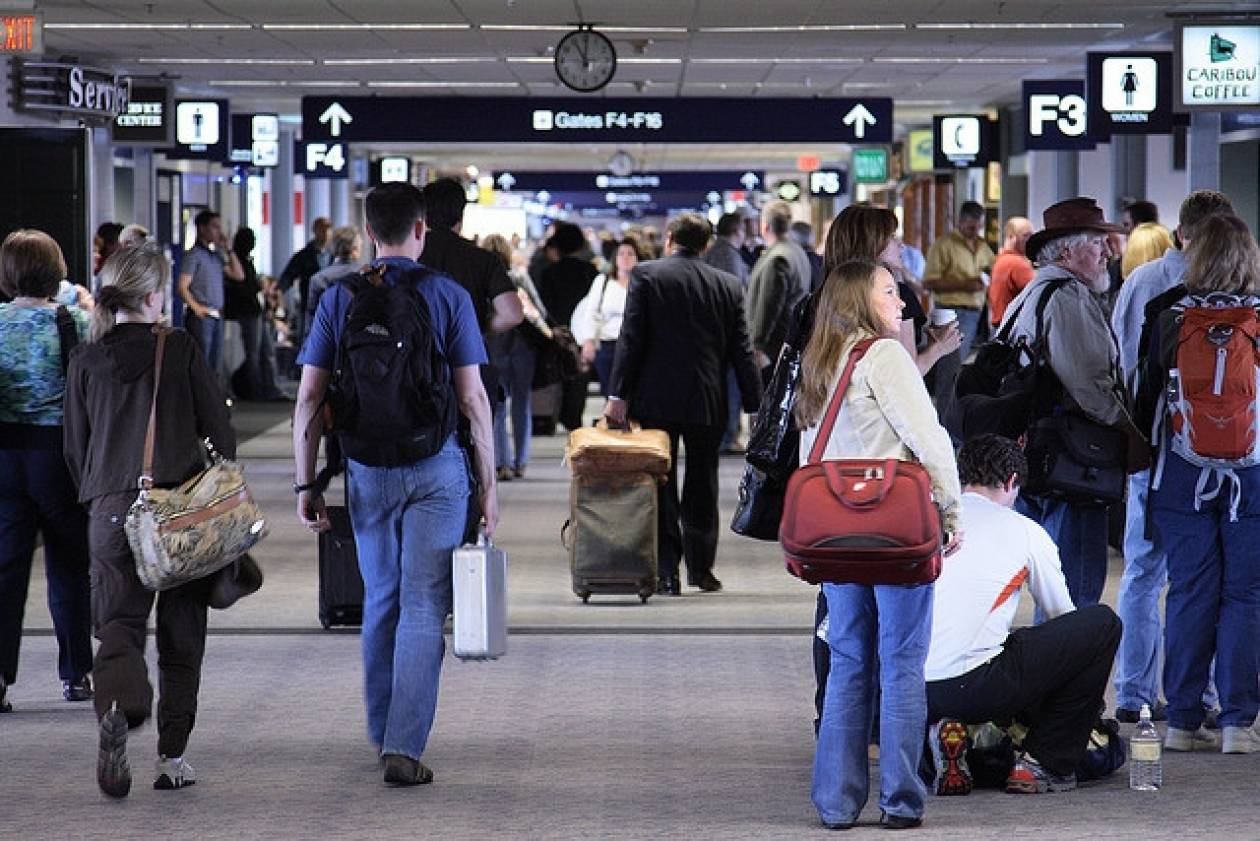 Οι ΗΠΑ κλιμακώνουν τα μέτρα ασφαλείας για τις πτήσεις προς τη Ρωσία